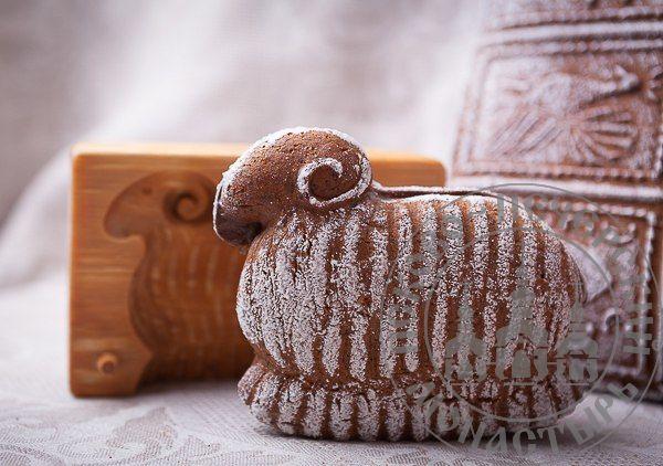 БАРАН двухслойный пряник с джемом на меде между слоями. Рельефное изображение животного с обеих сторон, 300г.